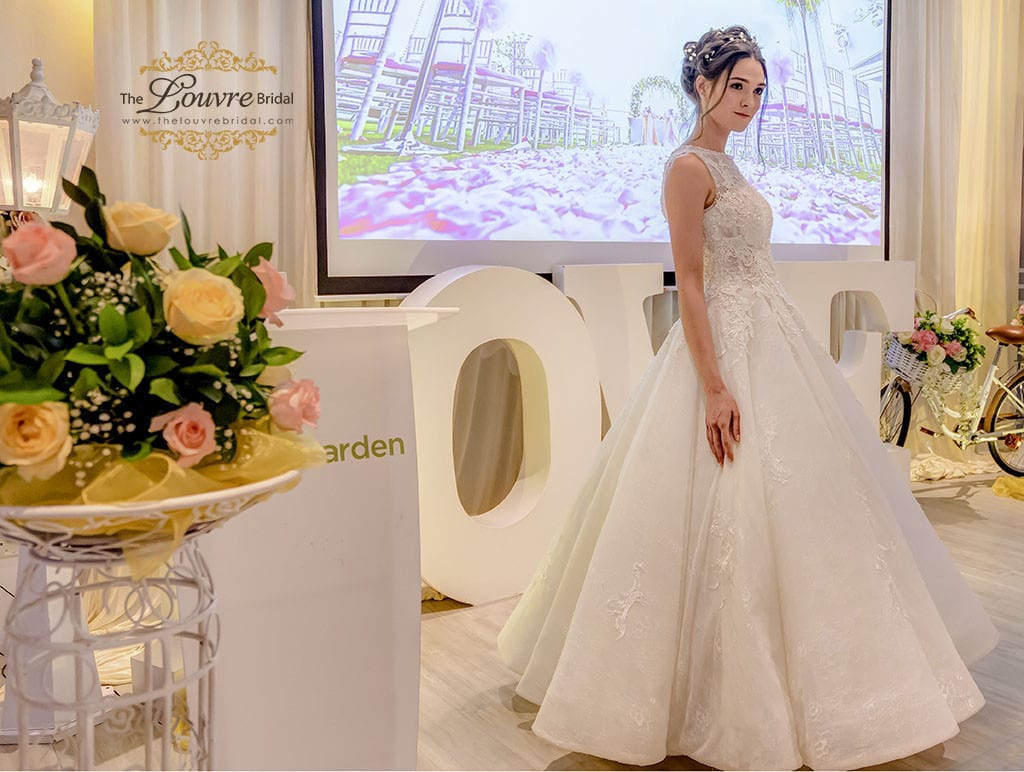 13-legracieux-gown01-02