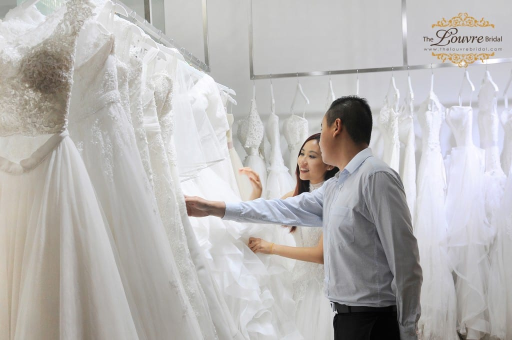 4.white-gowns-bridal-singapore