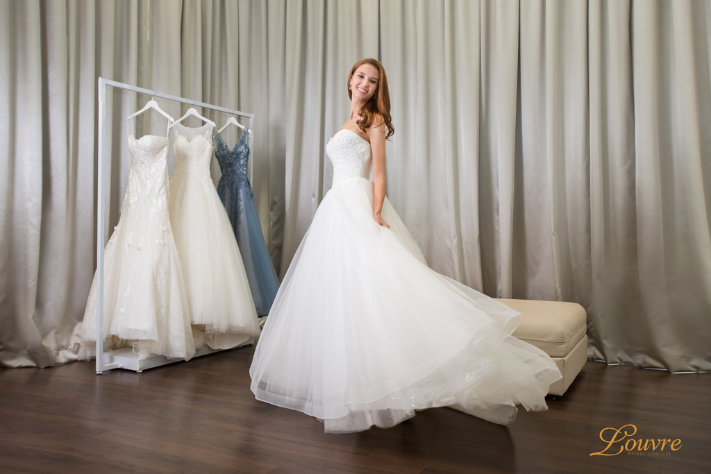 Bridal Dress Rental: 6 Airy Lightweight Wedding Dresses You Can Dance In!